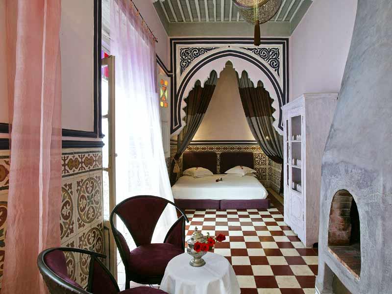 Maison Moderne A Vendre Canada : Chambre Gris Et Rose Poudre  Riad Casa Lila & Spa Louez le Riad Casa