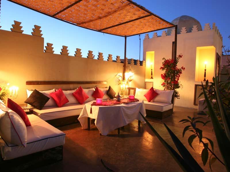 Riad des arts louez le riad des arts marrakech for Deco terrasse orientale