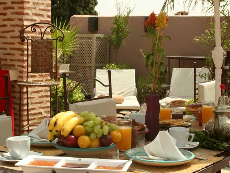 ¡¡¡ Buenos dias !!! Riad-les-jardins-de-mouassine-terrasse-petit-dejeuner