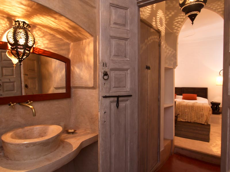 Riad o louez le riad o marrakech hotels ryads for Salle de bain couleur sable
